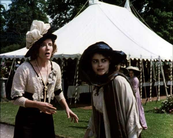 HOWARDS END, Emma Thompson, Helena Bonham Carter, 1992
