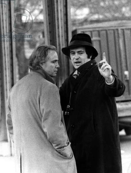 Le dernier tango a Paris: LAST TANGO IN PARIS, Marlon Brando, director Bernardo Bertolucci on set, 1972