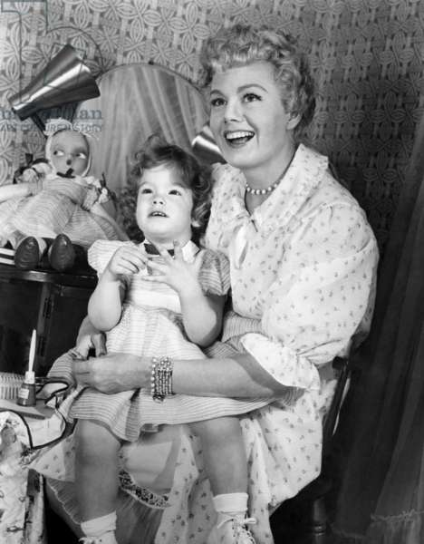 Shelley Winters with daughter, Vittoria Gassman, ca. 1950s