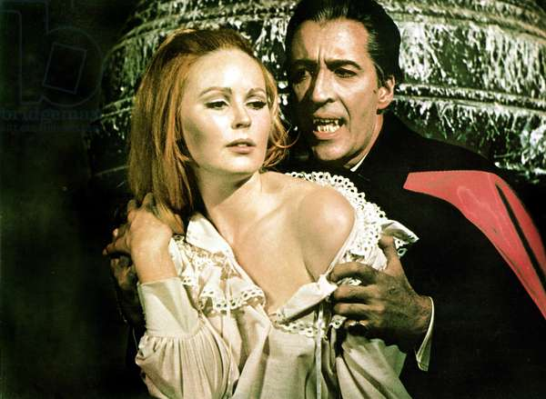 DRACULA HAS RISEN FROM THE GRAVE, Veronica Carlson, Christopher Lee, 1968