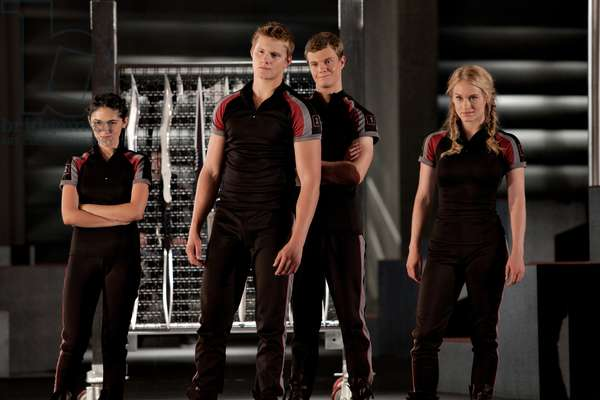 The Hunger Games: THE HUNGER GAMES, from left: Isabelle Fuhrman, Alexander Ludwig, Jack Quaid, Leven Rambin, 2012. ph: Murray Close/©Lionsgate/Courtesy Everett Collection
