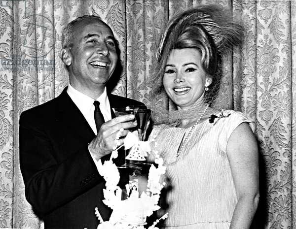 Zsa Zsa Gabor and her fourth husband, Herbert Hutner, the New York Supreme Court, November 6, 1962