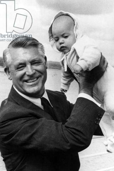 CARY GRANT with baby daughter JENNIFER GRANT