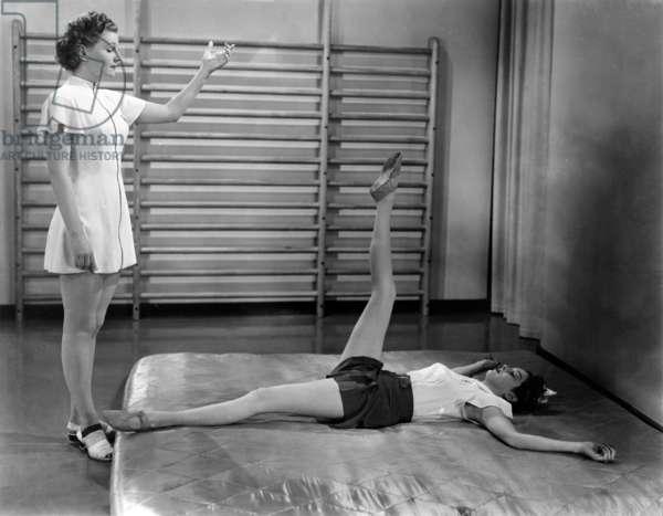 Femmes: THE WOMEN, from left, Ann Morriss, Rosalind Russell, 1939