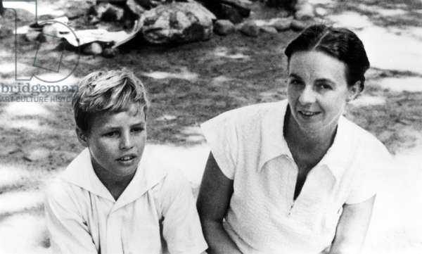 Marlon Brando with his mother at age 8 in Evanston, Illinois