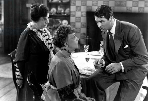 Arsenic and Old Lace, Josephine Hull, Jean Adair, Cary Grant, 1944.