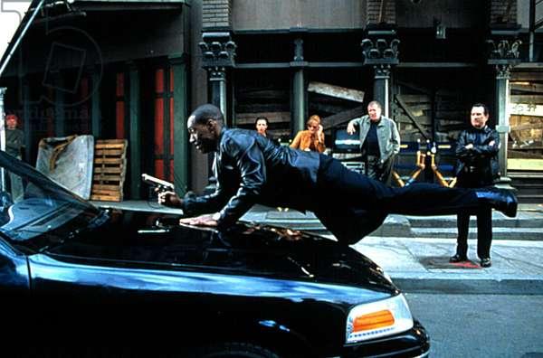 SHOWTIME, Eddie Murphy, Drena De Niro, Rene Russo, William Shatner, Robert De Niro, 2002 (c) Warner Brothers. Courtesy Everett Collection.