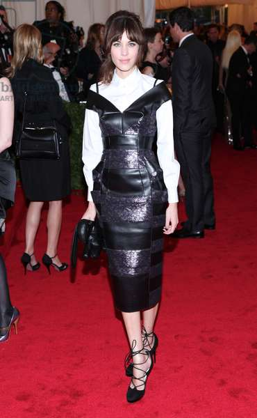 Alexa Chung (wearing Marc Jacobs) at arrivals for Metropolitan Museum of Art's 2012 Costume Institute Gala Benefit - Schiaparelli and Prada: Impossible Conversations - Part 8, Metropolitan Museum of Art, New York, NY May 7, 2012. Photo By: Andres Otero/Everett Collection