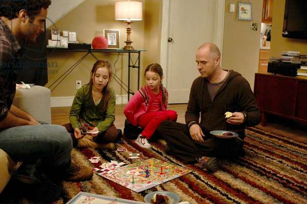 NURSE JACKIE, (from left): Dominic Fumusa, Ruby Jerins, Daisy Tahan, Paul Schulze, 'Candyland', (Season 2, ep. 203, aired April 5, 2010), 2009-. photo: Giovanni Rufino / © Showtime Network / Courtesy: Everett Collection