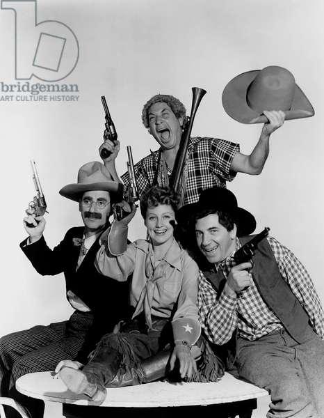 Chercheurs d'or: GO WEST, Groucho Marx, Harpo Marx, Diana Lewis, Chico Marx, 1940