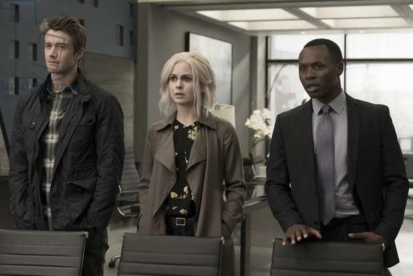IZOMBIE, l-r: Robert Buckley, Rose McIver, Malcolm Goodwin in 'Heaven Just Got a Little Bit Smoother' (Season 3, Episode 1, aired April 4, 2017). ph: Katie Yu/©The CW Network/courtesy Everett Collection