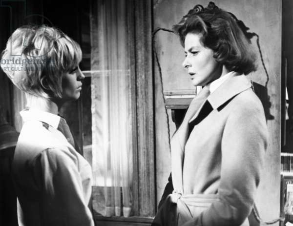 CACTUS FLOWER, from left, Goldie Hawn, Ingrid Bergman, 1969