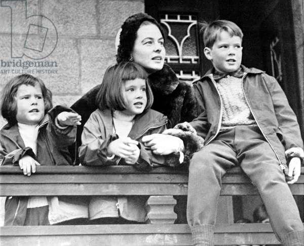 INGRID BERGMAN, with kids Ingrid, Isabella, and Robertino, 1958.
