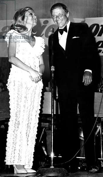 Nancy Sinatra, Frank Sinatra at United Jewish Appeal fundraiser in Palm Springs, 1970