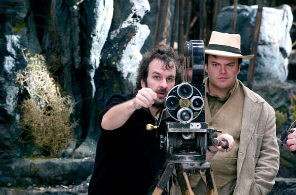 KING KONG, Director Peter Jackson, Jack Black, on set, 2005, (c) Universal/courtesy Everett Collection