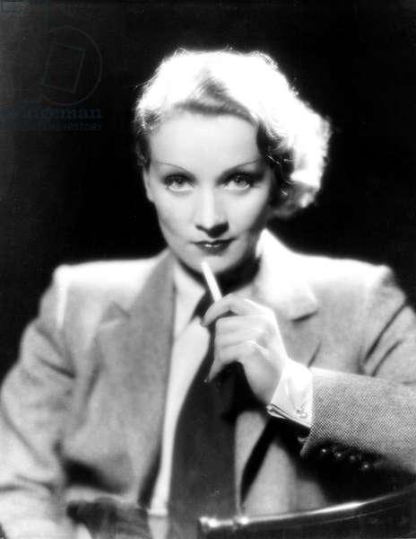 Marlene Dietrich, ca. 1932