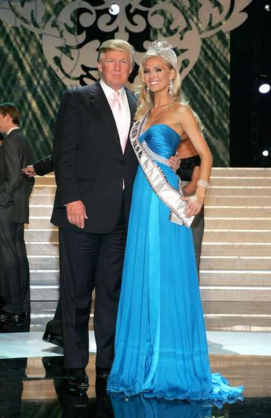 Donald Trump, Kristen Dalton in attendance for The 58th Annual MISS USA Beauty Pageant Competition, Planet Hollywood Resort and Casino, Las Vegas, NV April 19, 2009. Photo By: James Atoa/Everett Collection