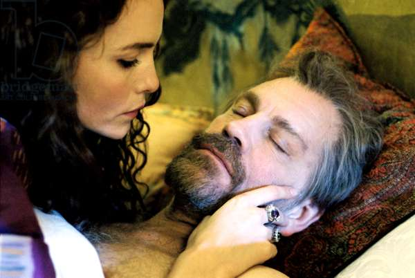 KLIMT, Saffron Burrows, John Malkovich, 2006. ©Outsider Pictures/courtesy Everett Collection