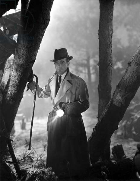 CONFLICT, Humphrey Bogart, 1945, in the woods w/flashlight