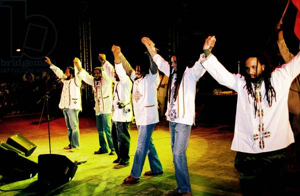 La famille Marley: AFRICA UNITED, the family of reggae singer Bob Marley performing at the 2005 Africa Unite concert in Addis Ababa, Ethiopia, 2008. ©Palm Pictures/courtesy Everett Collection