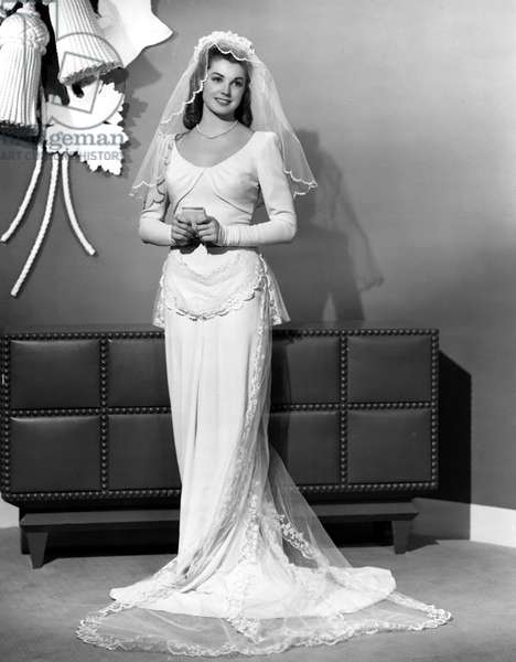 THRILL OF A ROMANCE, Esther Williams in a wedding gown, 1945