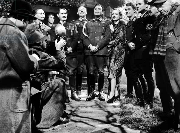 Jeux Dangereux: TO BE OR NOT TO BE, Charles Halton, Tom Dugan, Lionel Atwill, Jack Benny, Carole Lombard, Robert Stack James Finlayson, 1942