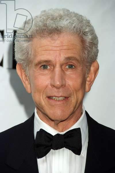 Tony Roberts at arrivals for ARRIVALS - American Theatre Wing's 2008 Tony Awards, Radio City Music Hall, New York, NY, June 15, 2008. Photo by: Rob Rich/Everett Collection