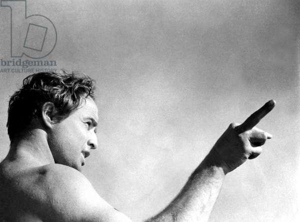 MARLON BRANDO directs ONE-EYED JACKS, 1961