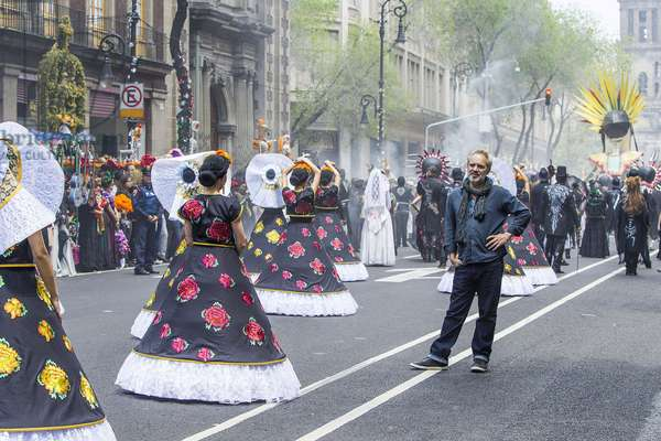 SPECTRE, director Sam Mendes, on location in Mexico City to shoot The Day of the Dead parade, 2015. ph: Jonathan Olley / © Columbia Pictures / courtesy Everett Collection