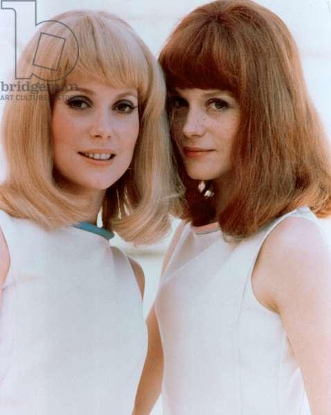 THE YOUNG GIRLS OF ROCHEFORT, Catherine Deneuve, Francoise Dorleac, 1967