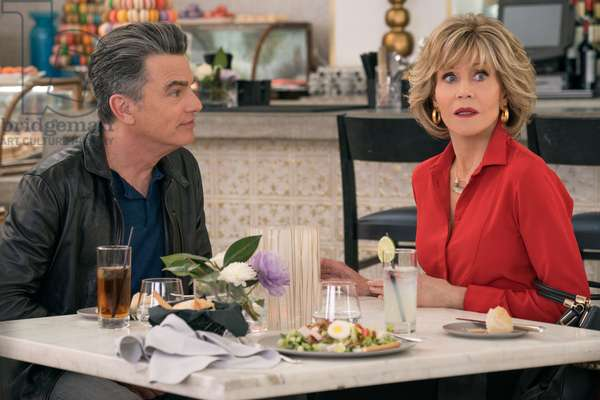 GRACE AND FRANKIE, Peter Gallagher, Jane Fonda, (Season 5, Episode 505, aired January 18, 2019), ph: Ali Goldstein / ©Netflix / courtesy Everett Collection