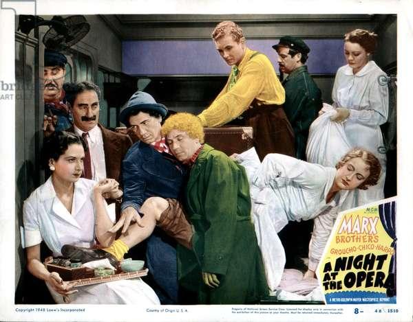 A NIGHT AT THE OPERA, Groucho Marx, Chico Marx, Harpo Marx, Allan Jones, 1935