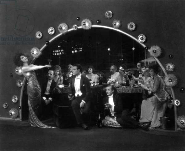 La dame aux camelias: CAMILLE, Alla Nazimova, Rudolph Valentino, 1921