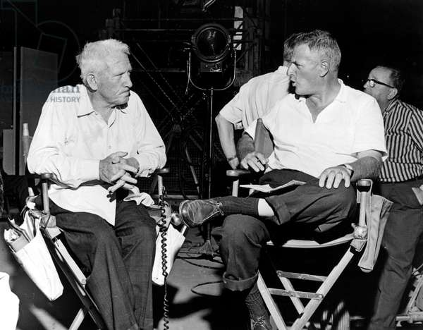 Un monde fou, fou, fou, fou: IT'S A MAD MAD MAD MAD WORLD, Spencer Tracy, director Stanley Kramer, on set, 1963