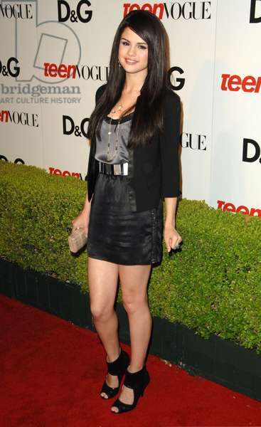 Selena Gomez at arrivals for Seventh Annual Teen Vogue Young Hollywood Party, MILK Studios, Los Angeles, CA September 25, 2009. Photo By: Dee Cercone/Everett Collection
