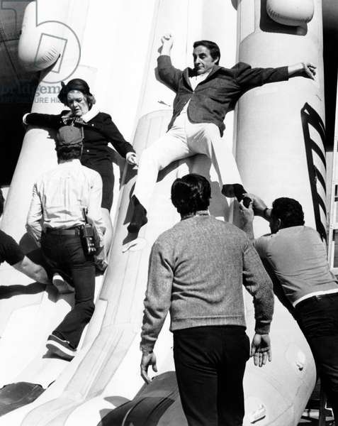 747 en peril: AIRPORT 1975, Myrna Loy, Sid Caesar, 1974