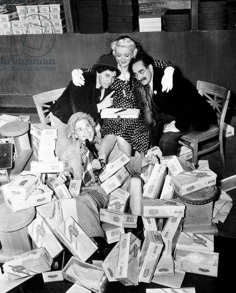 THE BIG STORE, Chico Marx, Harpo Marx, Marion Martin, Groucho Marx, 1941