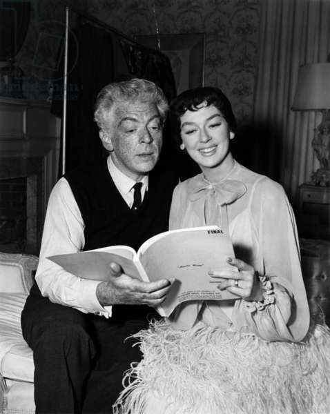 AUNTIE MAME, Director Morton DaCosta and Rosalind Russell on set, 1958.