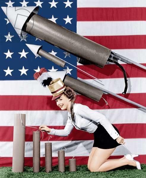 Piper Laurie, wishing her fans a happy Fourth of July, 1954