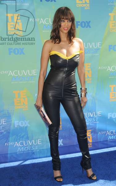 Tyra Banks (wearing a Thierry Mugler jumpsuit) at arrivals for 2011 Teen Choice Awards - ARRIVALS, Gibson Amphitheatre, Los Angeles, CA August 7, 2011. Photo By: Dee Cercone/Everett Collection