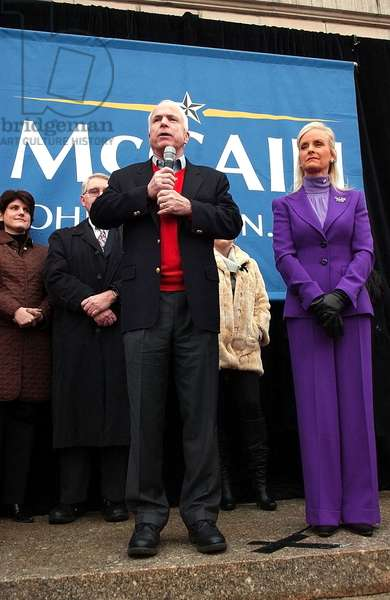 John McCain, Cindy McCain on stage for John McCain Campaign in New Hampshire - Pt 2, Nashua City Hall Plaza, Nashua, NH, January 07, 2008. Photo by: Kristin Callahan/Everett Collection
