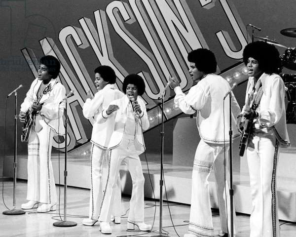 THE SONNY AND CHER COMEDY HOUR, Jackson Five: Michael Jackson (center), (Season 3, aired Sept. 15, 1972), 1971-74
