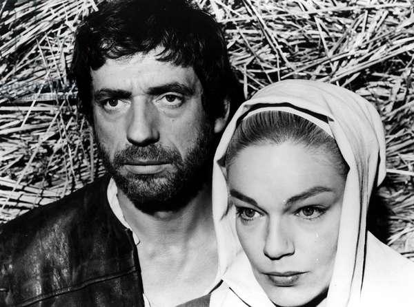 THE CRUCIBLE, (aka LES SORCIERES DE SALEM), Yves Montand, Simone Signoret, 1957