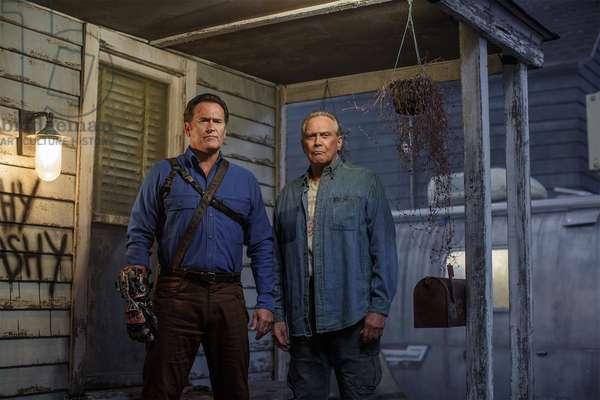 ASH VS. EVIL DEAD, l-r: Bruce Campbell, Lee Majors in 'Home' (Season 2, aired October 2, 2016). ph: Matt Klitscher/©Starz!/courtesy Everett Collection
