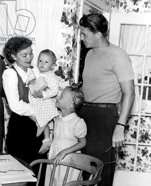 Breakfast at the Reagans: JANE WYMAN, MICHAEL REAGAN, MAUREEN REAGAN, RONALD REAGAN, 10/01/46