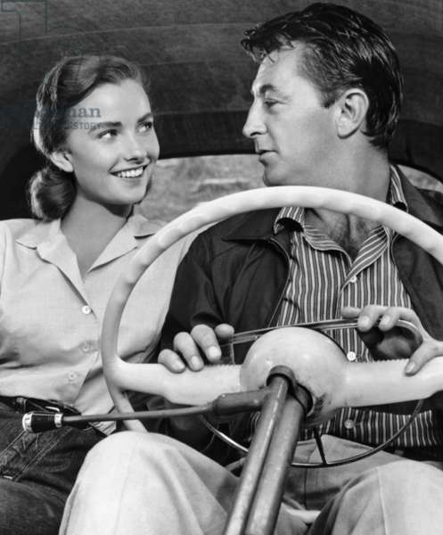 THUNDER ROAD, Sandra Knight, Robert Mitchum, 1958