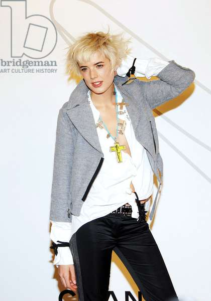 Agyness Deyn at arrivals for Opening Night Party for Mobile Art: CHANEL Contemporary Art Container by Zaha Hadid, Rumsey Playfield in Central Park, New York, NY, October 21, 2008. Photo by: Desiree Navarro/Everett Collection