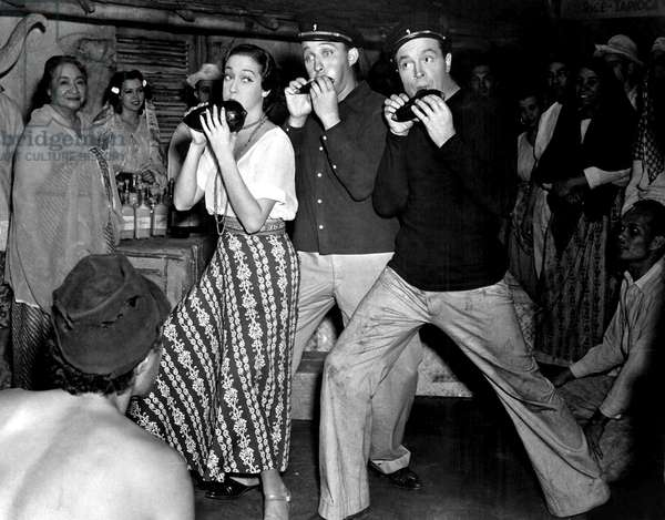ROAD TO SINGAPORE, 1940 Dorothy Lamour, Bing Crosby, Bob Hope