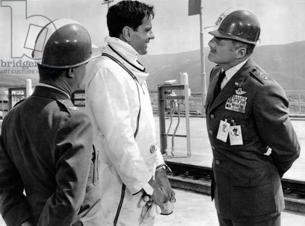 Un Pilote dans la Lune: MOON PILOT, Tom Tryon, Brian Keith, 1962.(c) Walt Disney/ Courtesy: Everett Collection.
