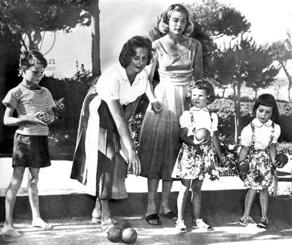 INGRID BERGMAN, w/children Robertino, Jenny Ann Lindstrom, Ingrid and Isabella, 1957.